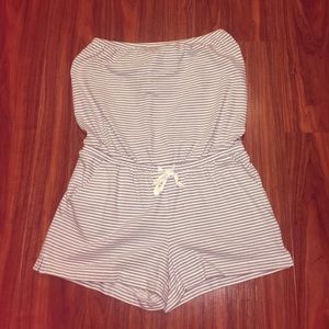 Strapless striped romper